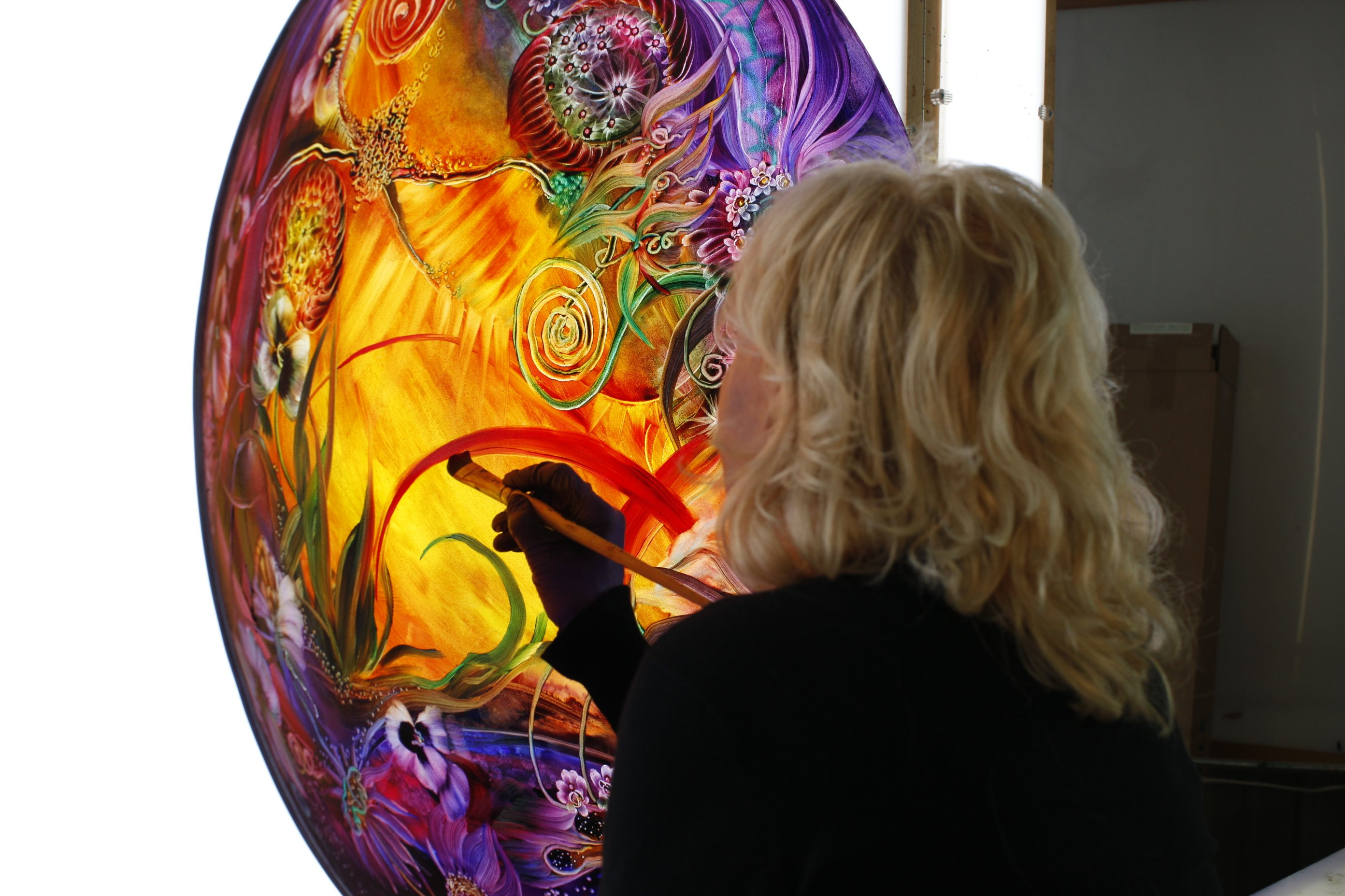Студии по росписи стекла